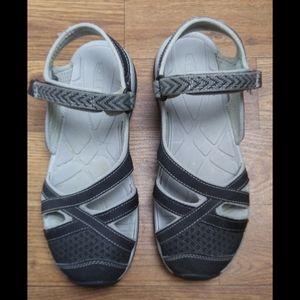 Keen black Bali strap sandal size 8